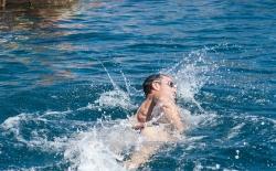 Κολύμπι μετ' εμποδίων_132
